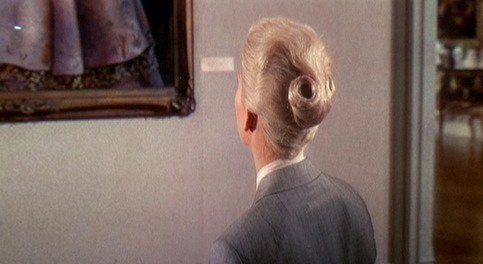 Vertigo_Kim-Novak_Grey-suit-hair-1